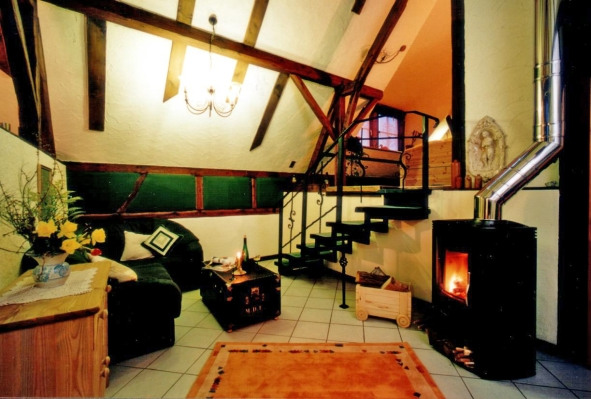 holzofen flamme nach unten bildersammlung zum inspirieren ihrer m bel. Black Bedroom Furniture Sets. Home Design Ideas
